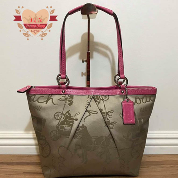 3223591564f Coach Handbags - 🐎Coach Signature Fabric Tote🐎